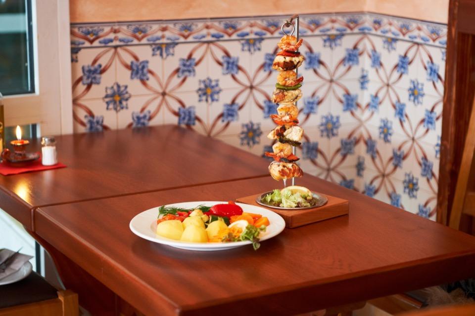 Casa-Madeira_Portugiesisches-Restaurant_Hamburg_Spiesse